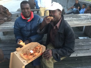 Migrants soudanais et pizzas